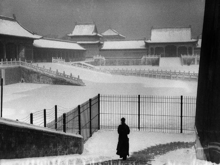 Марк Рибу, Китай, дворец в зимний период, 1957