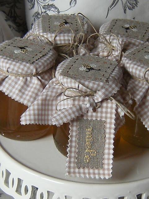 lovely honey favors