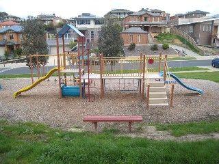 Jacaranda Reserve, Jacaranda Drive, Diamond Creek    Facilities: playground
