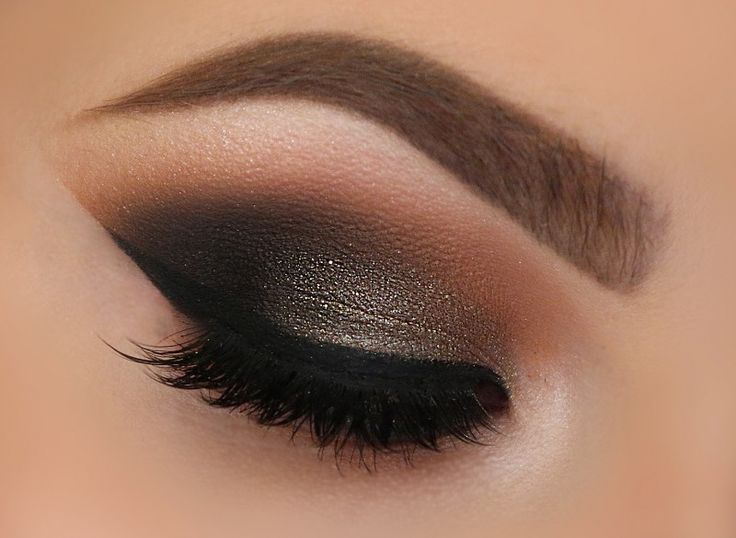 'Utopia' look by Tania Waller using Makeup Geek's Cocoa Bear, Corrupt, Creme Brûlée, Ice Queen, and Peach Smoothie eyeshadows along with Utopia pigment.