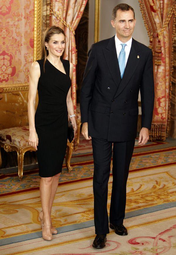 Los nuevos reyes Felipe y Letizia saludarán uno a uno a 2.000 invitados en el Palacio Real - Foto 2