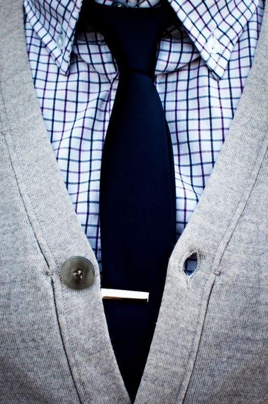 cardigan + skinny tie + patterned shirt