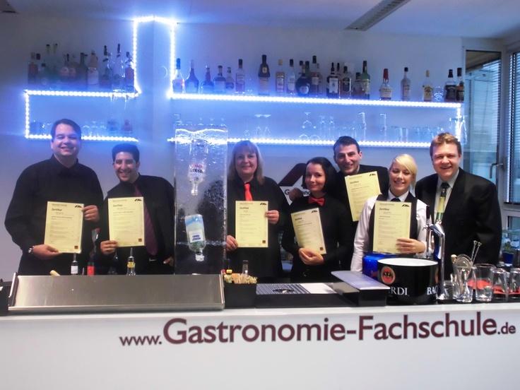 """Die IHK-Berlin hat entschieden...Prüfungsort für die praktische Prüfung der Berliner """"Barmixer/-innen"""" im April 2013 ist die Gastronomie-Fachschule A.M. Gastro-Coaching"""