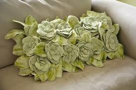 http://youcouldmakethat.blogspot.de/2010/11/beautifully-textured-pillow.html