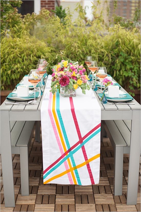 Spring table arrangement.