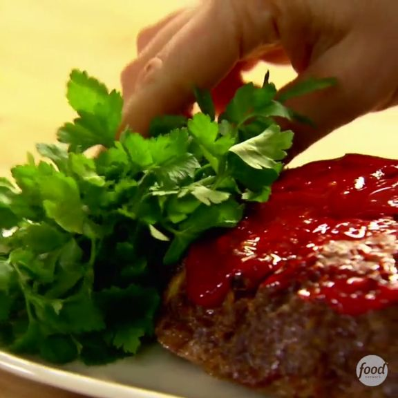 Barefoot Contessa's Meatloaf is a family favorite with over 300 5-star reviews. Make it for dinner this week!
