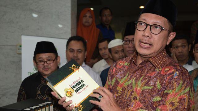 Menteri Agama Lukman Hakim Saifuddin Wacanakan Sertifikasi Ulama Tolak !