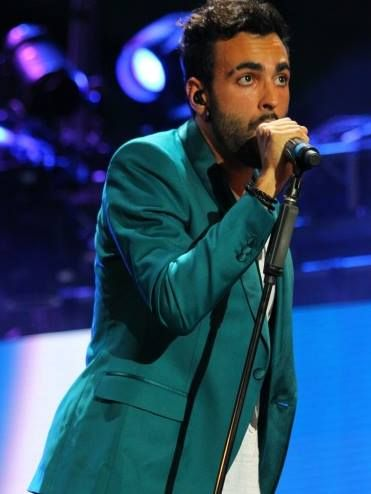 MARCO MENGONI – AIR ACTION VIGORSOL SUPER MAN http://mtvawards.mtv.it/video/marco-mengoni-air-action-vigorsol-super-man-mtv-awards-2013/  PRONTO A CORRERE – MARCO MENGONI LIVE @ MTV AWARDS 2013 http://mtvawards.mtv.it/video/pronto-a-correre-marco-mengoni-live-mtv-awards-2013/