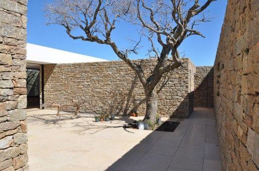 inner courtyard , Buenos Mares House / RDR Arquitectos