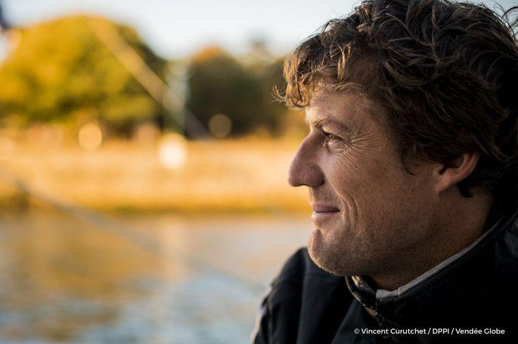 Paul Meilhat (FRA), Skipper SMA  leaving pontoons for a technical sail, in Les Sables d'Olonne, France, on October 22nd, 2016 - Photo Vincent Curutchet / DPPI / Vendee GlobeSMA, skipper Paul Meilhat (FRA), quitte les pontons pour une navigation techniqu