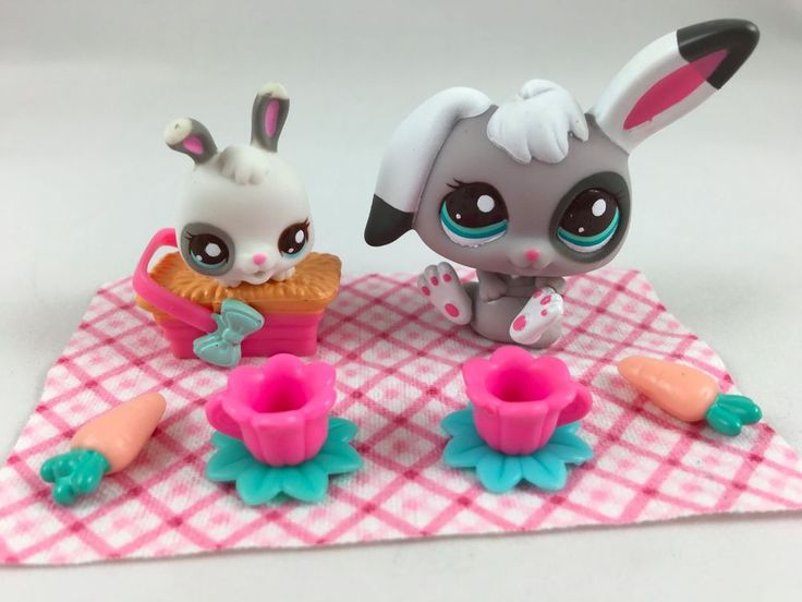 Littlest Pet Shop RARE Mommy & Baby Nap Time Bunnies #2668/2669 w/Accessories #Hasbro