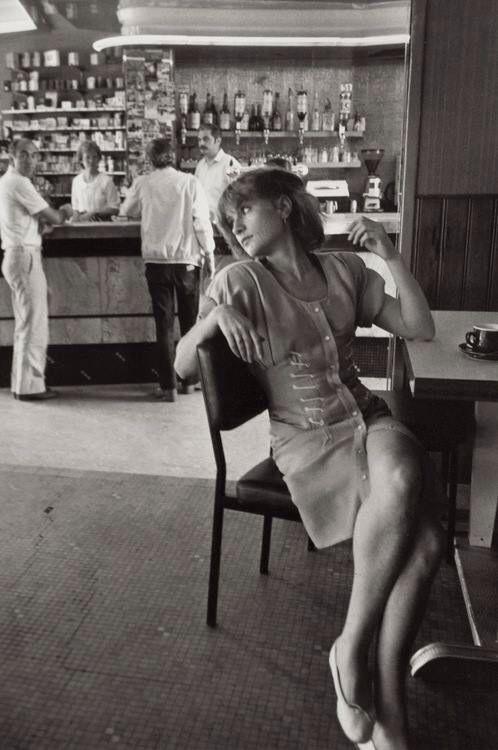 Isabelle Huppert photographed by Robert Doisneau