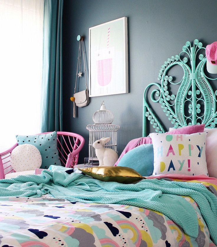 Decorating girls room picture examples, olsen twins hot gall