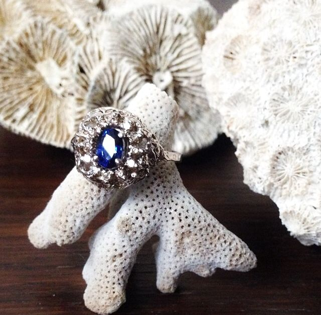 Flame ring by Julia deVille (18ct white gold, sapphire, cognac diamonds)
