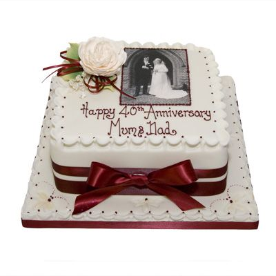 25 best ideas about 50th wedding anniversary cakes on for Anniversary cake decoration