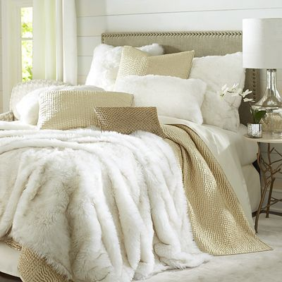 Best 25 gold bedding ideas on pinterest teen bedroom for White fur bedroom