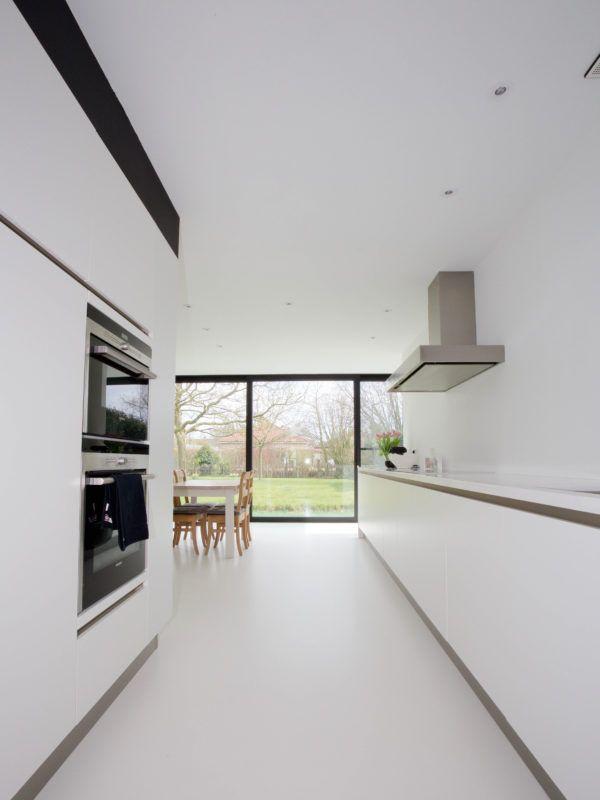 Hoeve | Keuken | Inspiratie | Hoeve met een nieuw accent – Ypsilon architecten strakke witte keuken