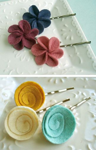 Felt flower bobby pins. easy and cute!