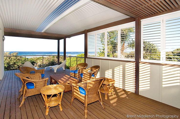 Cool and coastal, a Ritek roof brings seaside sophistication