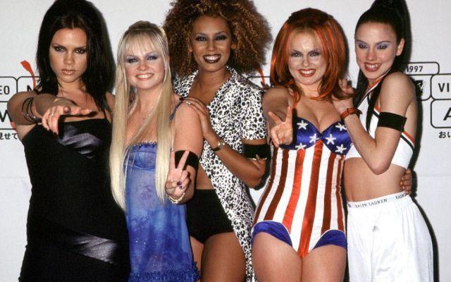 Spice Girls, sono tornate. Nel 2016 il tour mondiale La girl band, che ha stregato i fan di tutto il pianeta, ha deciso di riunirsi. Nel 2016 le Spice Girls saranno impegnate in un tour mondiale celebrativo, in occasione dei 20 anni dall'uscita del pri #spicegirls #tour #musica #londra