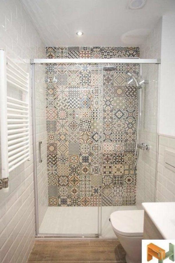 Bodenbelagsauswahl Fur Ihre Immobilie Umgestalten In 2020 Kleines Bad Gestalten Badezimmereinrichtung Kleine Badezimmer Design