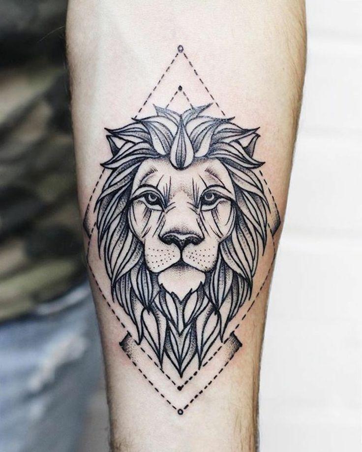 Tattoo Löwe: Symbolik und attraktive Designs vom Löwen Tattoo für beide Geschlechter