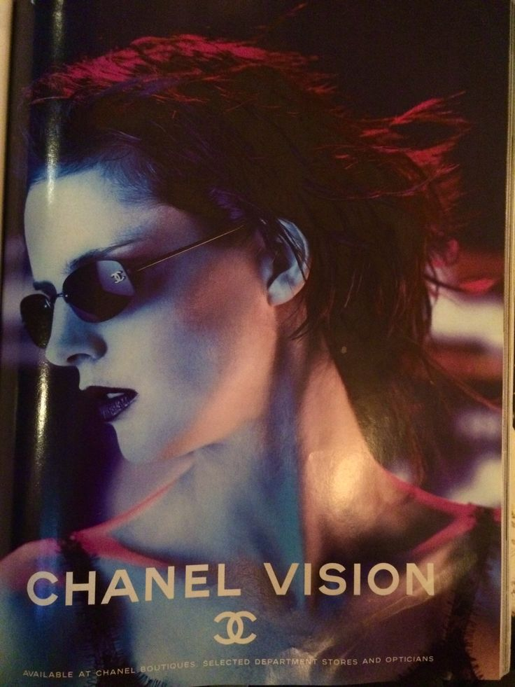Chanel advertisement in The Face March 2000
