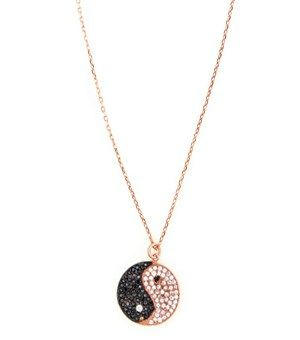 Κολιέ - Χειροποίητο κολιέ γιν-γιανγκ από ροζ επιχρυσωμένο ασήμι 925ο με μενταγιόν γιν-γιάνγκ 15 mm με λευκά και μαύρα ζιργκόν.<br /><br />Μήκος κολιέ: 40cm+3cm αλυσίδα προέκταση. μόνο 34.00€ #sale #style #fashion