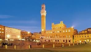Siena and its glorious Piazza del Campo with the monumental Palazzo Pubblico are the perfect setting for unforgettable destination weddings - in its Town Hall or churches.