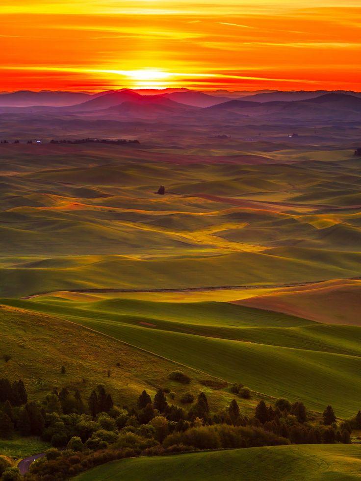 Sunrise Palouse Steptoe Washington By Liping