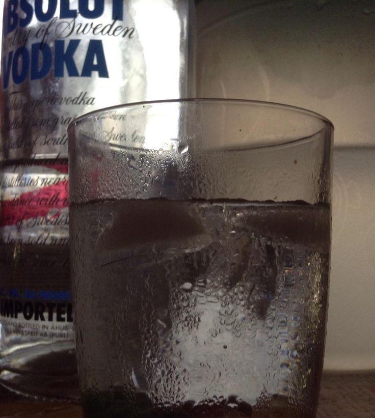#vodka #vodkatonic #vodkasoda #shots #absolut #absolutvodka #trago #gum #gomitas #beachlife #life #alcohol #ron #beer #view #imagine #photo #99