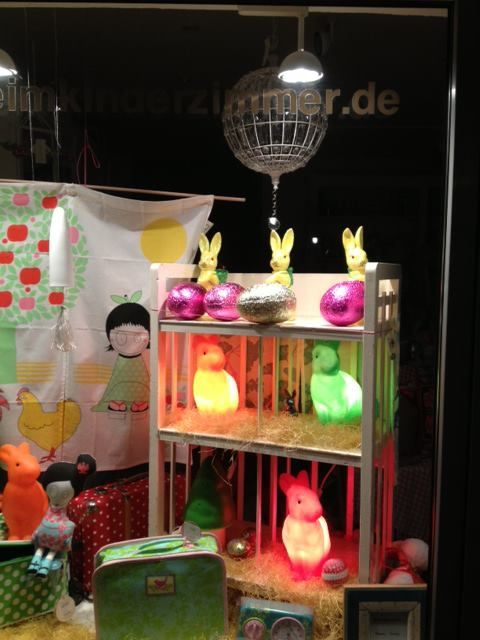 Amazing Nostalgie im Kinderzimmer Easter shop window