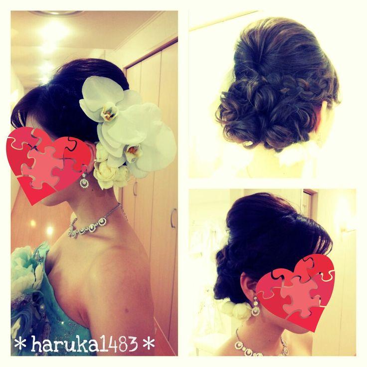*my wedding hair*親族披露宴、お色直し時ヘッドドレス♡胡蝶蘭がとにかく大きくて感動!!!! #ウェディングヘア #ウェディング #ヘアスタイル #花嫁