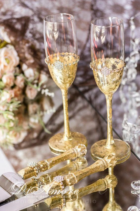 Never Under No Scenarios Put Your Wedding Cake Near The Dance Floor Since The Boogie Bopper May Trigger A Lotta Distres With Images Metallic Wedding Toasting Flutes Wedding