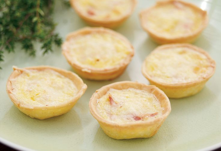 It might be old fashioned but a good quiche is gob-smackingly good. These ham and cheese mini makes are perfect for cocktail parties and after-school snacking.