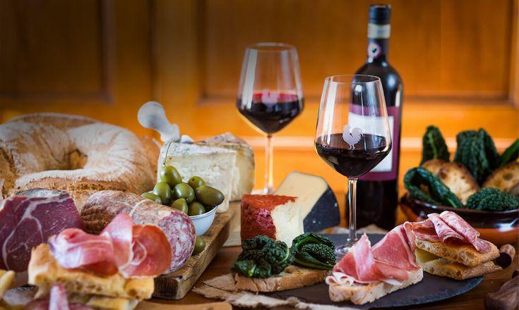 Recorriendo la #toscana pudimos aclarar algunas dudas respecto del famoso #tinto #italiano ¿Qué diferencia hay entre #chianti y chianti classico? Junto al Consorzio del Vino Chianti Classico y Panzanello Winery tenemos las respuestas
