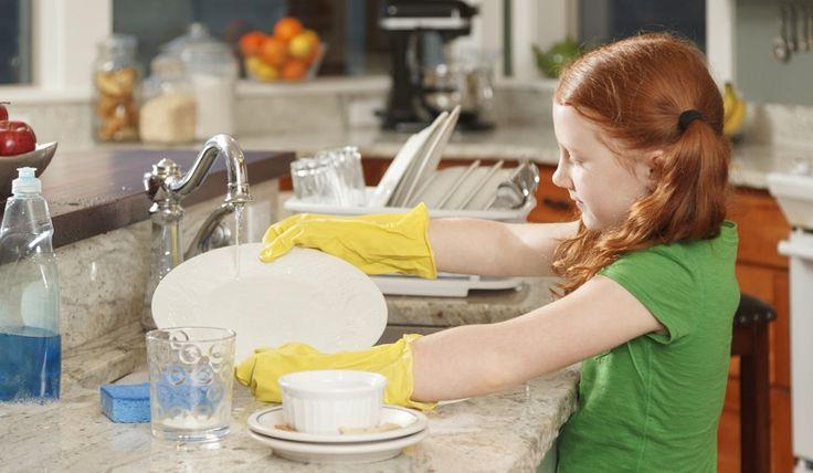 ¿Qué puedes hacer para que tus hijos se impliquen en las tareas domésticas? - http://madreshoy.com/que-puedes-hacer-para-que-tus-hijos-se-impliquen-en-las-tareas-domesticas/