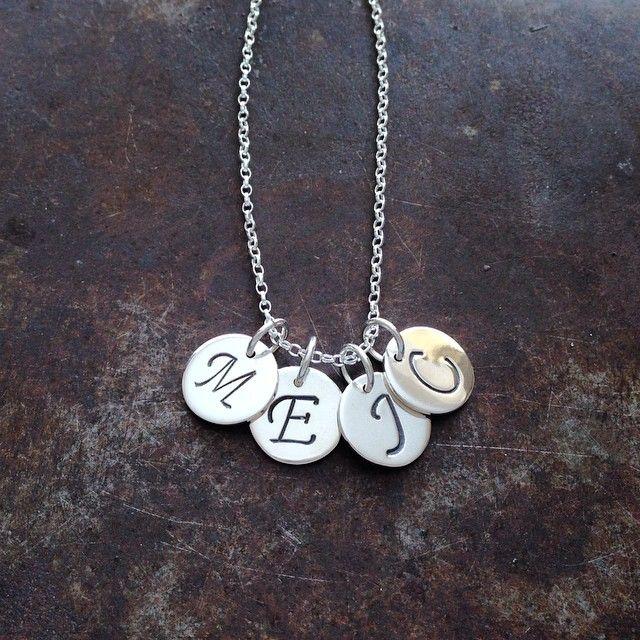 Initialer - familiesmykke i sølv