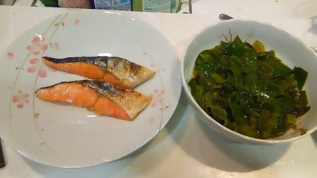 メカブである。オオゼキに春先に出る塊のやつが売っていた。  It is a seaweed. The thing of the lump which appeared in OhzekiStore in the early spring was sold. http://www.kandamori.net/2017/02/blog-post_16.html #朝食 #夕食 #昼食 #ランチ #グルメ #ディナー #食事 #料理 #食料 #食べ物 #ご飯 #Breakfast #dinner #lunch #gourmet #meal #Dish #food #rice #cook #cooking