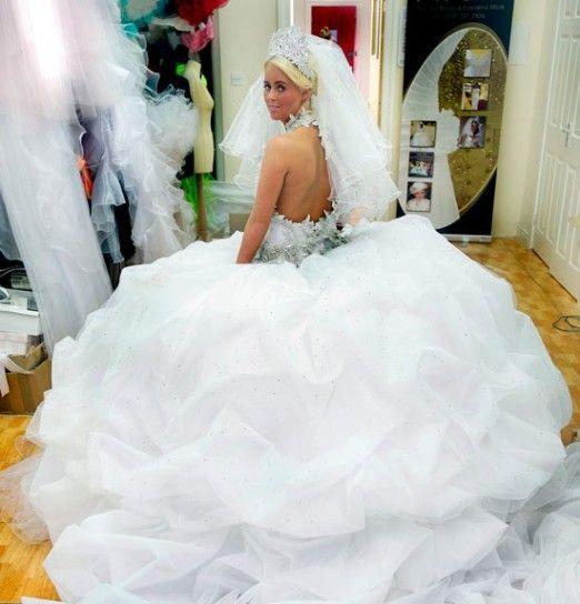 Gonna ampia per l'abito da sposa