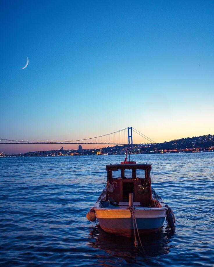 """Fifty shades of Istan-blue💙 İstanbul'da en sevdiğiniz yer neresi? #sonyalpha #bosphorus"""""""