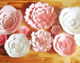 Set of 10 Large Paper Flowers Paper Flowers von DreamEventsinPaper