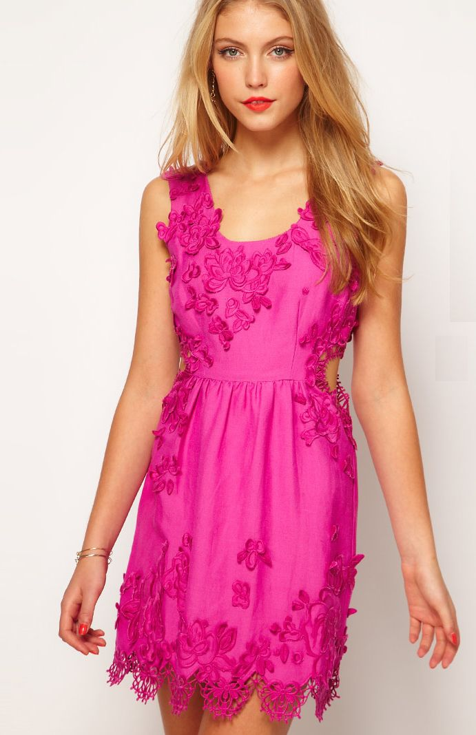 a delicate, applique floral design makes this bridesmaid dress absolutely stunning.