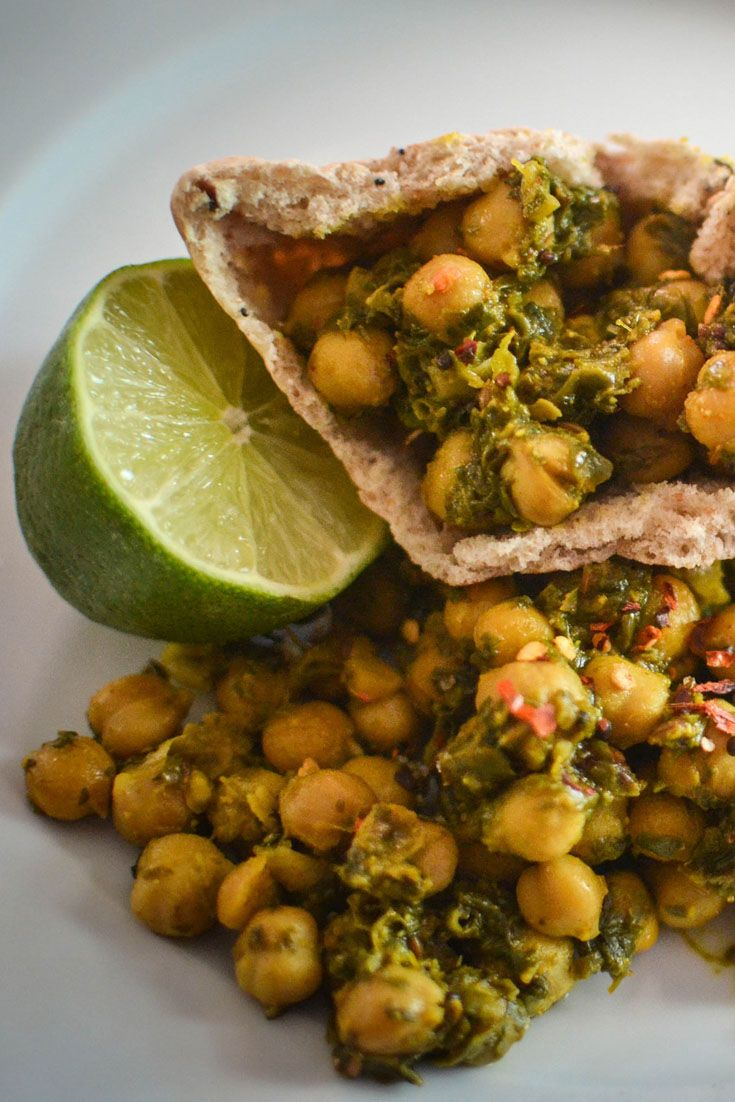 Quick chickpea and spinach curry