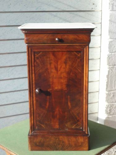 ANTIQUE-VICTORIAN-MAHOGANY-MARBLE-TOP-FRENCH-POT-CUPBOARD-BEDSIDE-WITH-DRAWER