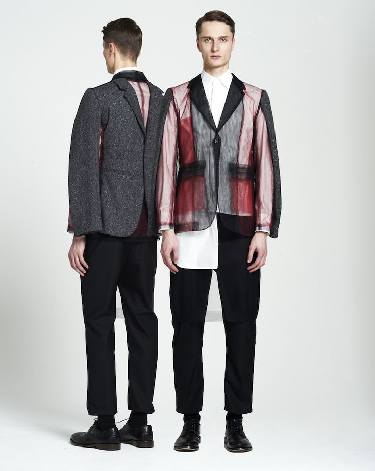 <p>One of the most thrilling feelings we, fashion writers/editors/lovers can experience happens when discovering a great designer. And even though it's not that very hard finding a good one, it is qui