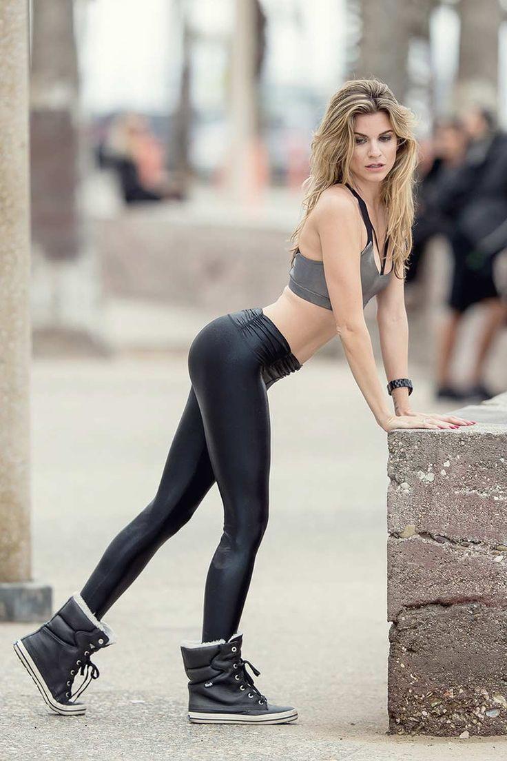 Rachel Mccord Wearing Spandex Leggings  Fashion -3533