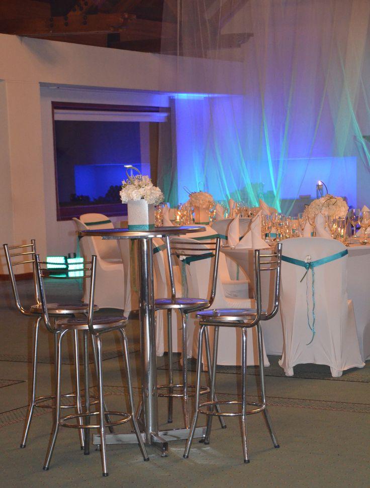 decoración con mesas cocteleras