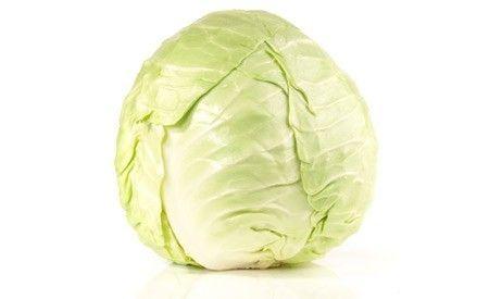 (Zentrum der Gesundheit) - Weisskohl ist eines der besten medizinisch einsetzbaren Gemüse, die Sie in Ihrem Garten finden können. Er beinhaltet höchst wirksame medizinische Bestandteile, die sogar bei Krebserkrankungen äusserst hilfreich sein können. Sein bekanntester Verwendungszweck ist jedoch, ihn als natürliches Heilmittel gegen Magengeschwüre einzusetzen.
