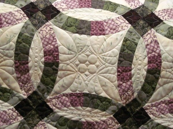 Fancy Double Wedding Ring Quilt u The Final Chapter Quilting Linda